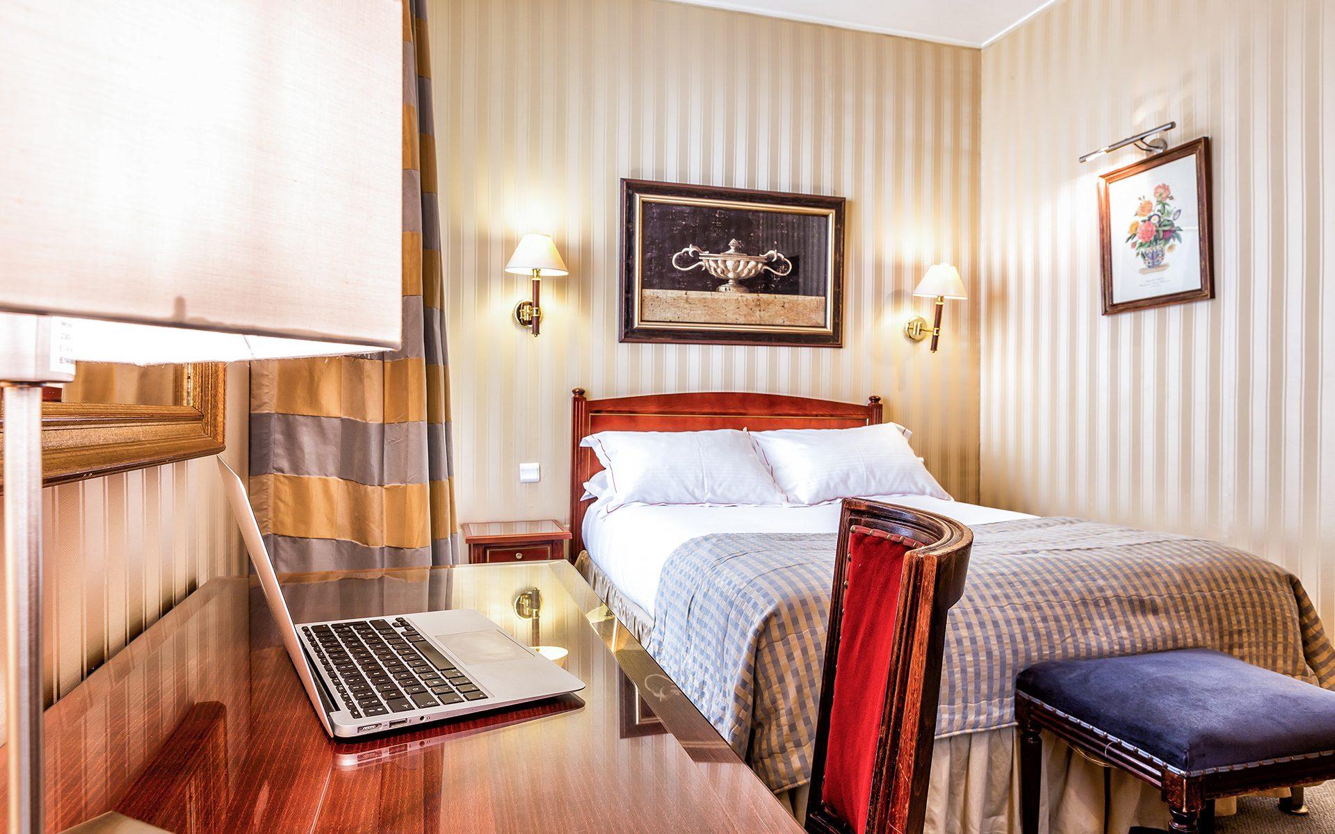 Chambre Deluxe Le régence Hôtel Paris 8 éme